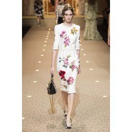 Коприна Dolce&Gabbana с цветя на бял фон
